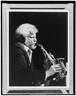 Gerry Mulligan, ca. 1980s (William P. Gottlieb 16201).jpg