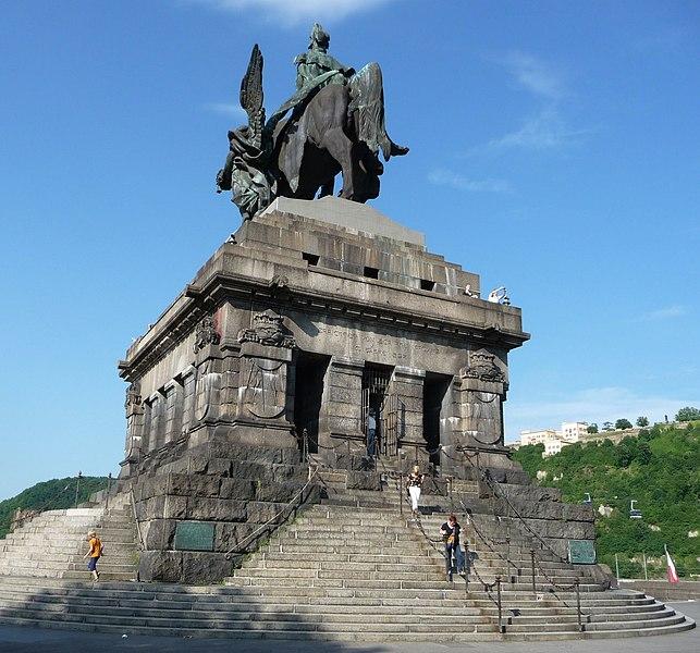 File:Gigantomanischer Schwachsinn (blöder Gaul, doofer Kaiser, alberner Engel) - panoramio.jpg