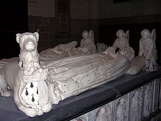 Tomb of Francis II, Duke of Brittany - Recumbent figures
