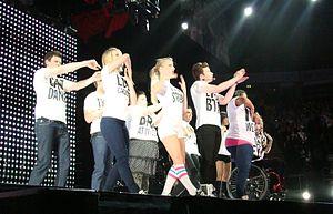 http://upload.wikimedia.org/wikipedia/commons/thumb/d/d7/Glee-Born_This_Way.jpg/300px-Glee-Born_This_Way.jpg