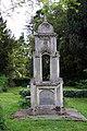 Graveyard outside Wallingford Castle Gardens - geograph.org.uk - 1295127.jpg