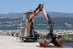 Guindastre no porto de Rianxo. Galiza-13.jpg