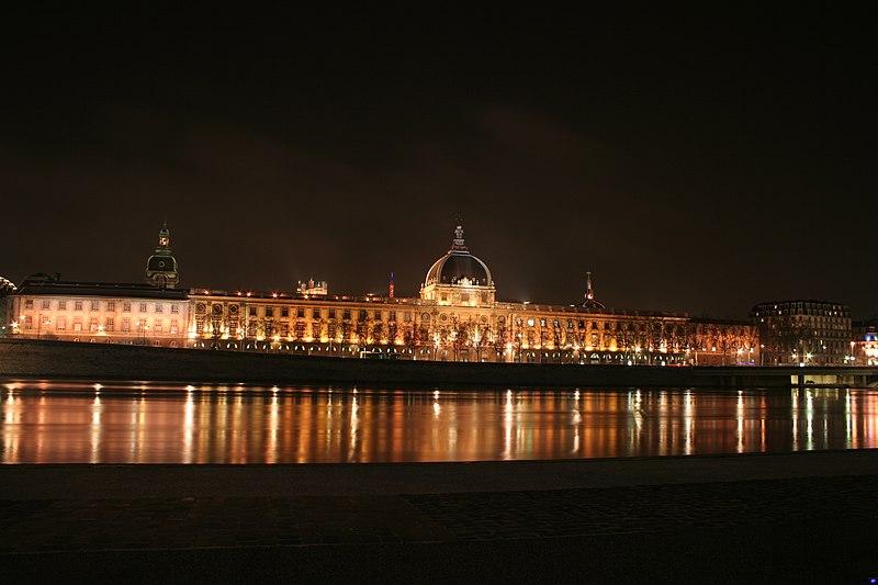 Fichier: Hôtel-Dieu de Lyon.jpg