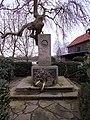 Hünxe Krudenburg-Kriegerdenkmal.jpg
