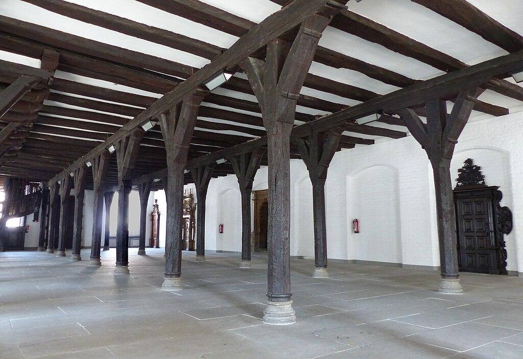 Rathaus Bremen innen (Untere Rathaushalle nordwärts leer)