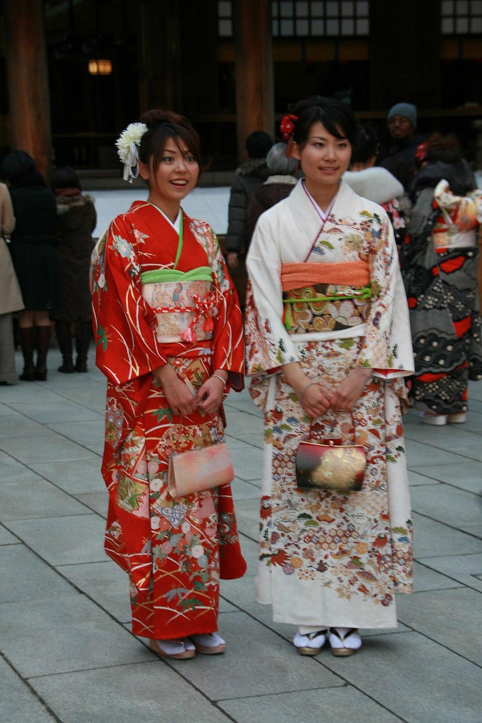 Harajuku, 2 young ladies smiling