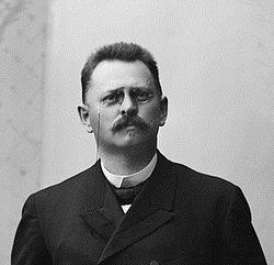 Harald Olsen 1897 OMU OB.SZ05861b cropped.jpg