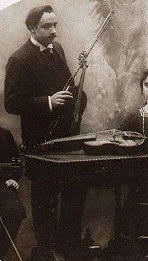 Henri Casadesus - Henri Casadesus with viola and viola d'amore, ca. 1900.