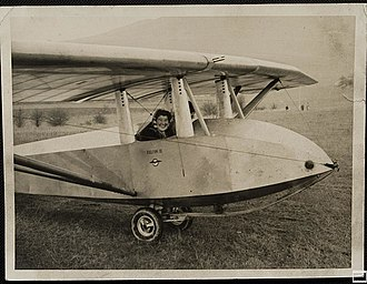 Slingsby Falcon III - Image: Hermione Hoare in Falcon III glider, probably at Dunstable, c. 1938 (5796124274)
