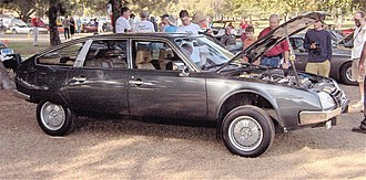 Height adjustable suspension -  Citroën CX in high position.