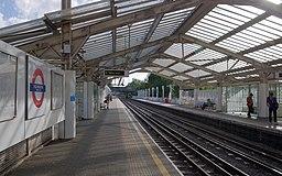 Hillingdon tube station MMB 13