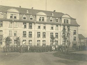 Holzminden prisoner-of-war camp - Kaserne B at Holzminden, with prisoners and guards.