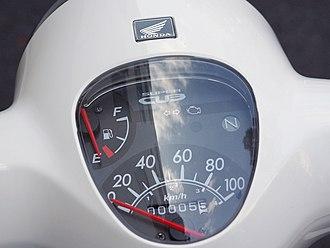 Honda Super Cub - The instruments of a 1966 CA100 and 2009 Super Cub 110