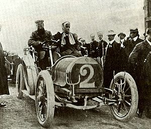 Hotchkiss (car) - Hubert and Mme Le Blon at the 1906 Targa Florio driving a Hotchkiss 35 hp