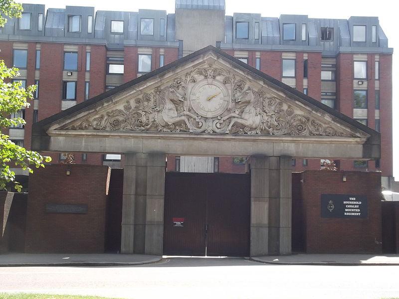 File:Hyde Park - The Household Cavalry Mounted Regiment - Mural - frieze - clock (21035865181).jpg