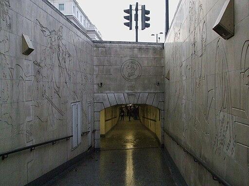 Hyde Park Corner stn Wellington entrance2