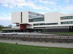 École Nationale Supérieure des Ingénieurs en Arts Chimiques et Technologiques - Main Entrance 2012