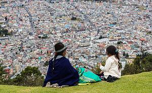 Indígenas contemplando Quito desde El Panecillo, Ecuador, 2015-07-22, DD 44.JPG