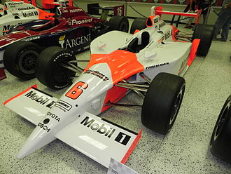 2003 Indianapolis 500 - Image: Indy 500winningcar 2003