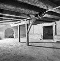Interieur kelder zuidelijk midden gedeelte naar het westen. - Amsterdam - 20011443 - RCE.jpg