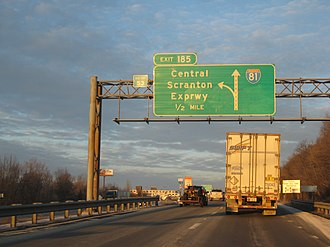 Interstate 81 in Pennsylvania - I-81 northbound approaching Central Scranton Expressway in Scranton