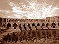Iran - Isfahan - Zayandeh Rud ^ Khajoo Bridge (B^W) - panoramio.jpg
