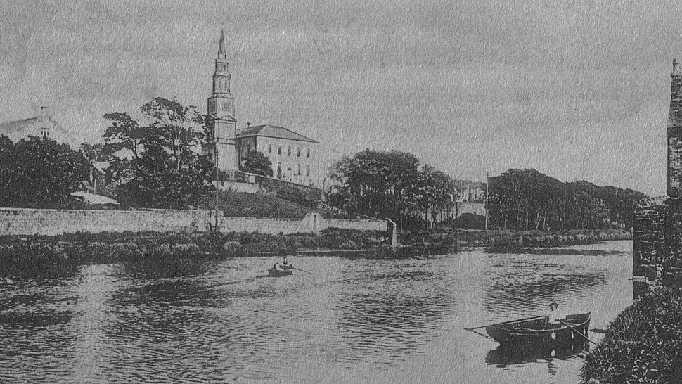 Irvine and the old kirk, 1904