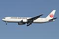 JAL B767-300ER(JA656J) (6902858315).jpg