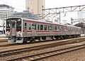 JRshikoku 7200series 7303+7203 at takamatsu.jpg
