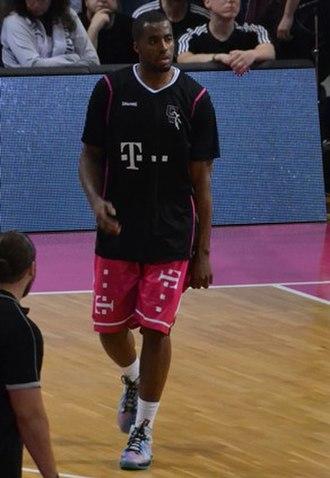 Jamel McLean - McLean with the Baskets Bonn