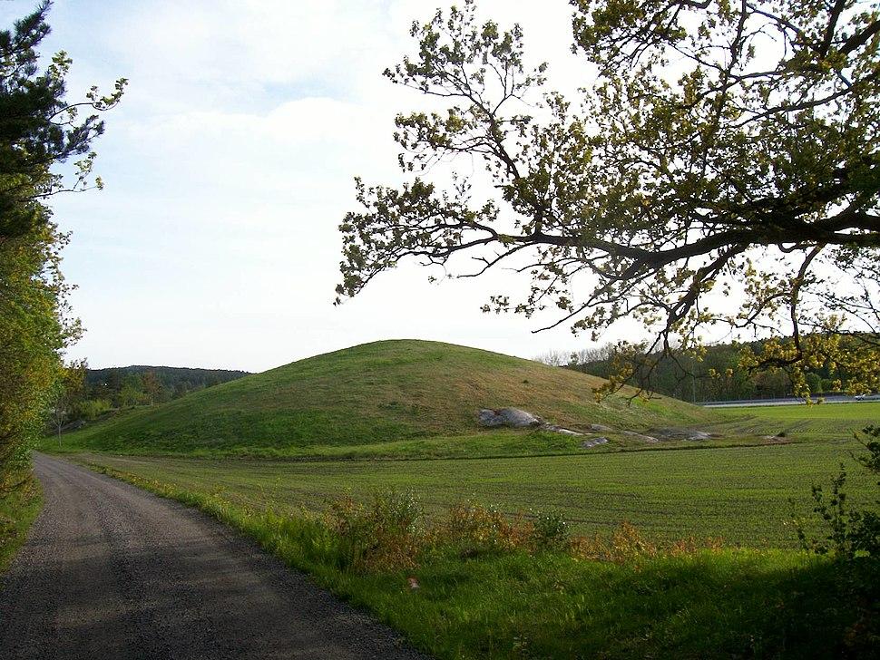 Jellhaugen grave mound, Halden