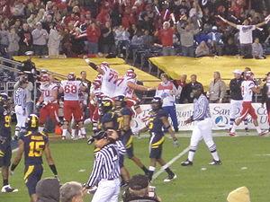 2009 Poinsettia Bowl - Jereme Brooks scores a Utah touchdown in the second quarter