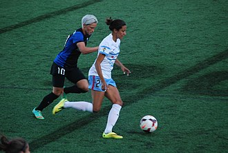 Jess Fishlock - Fishlock defends against Christen Press, 2014