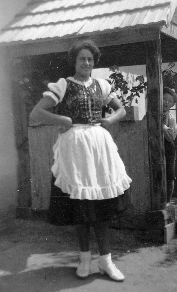 Jewish Hungarian country girl in 1928