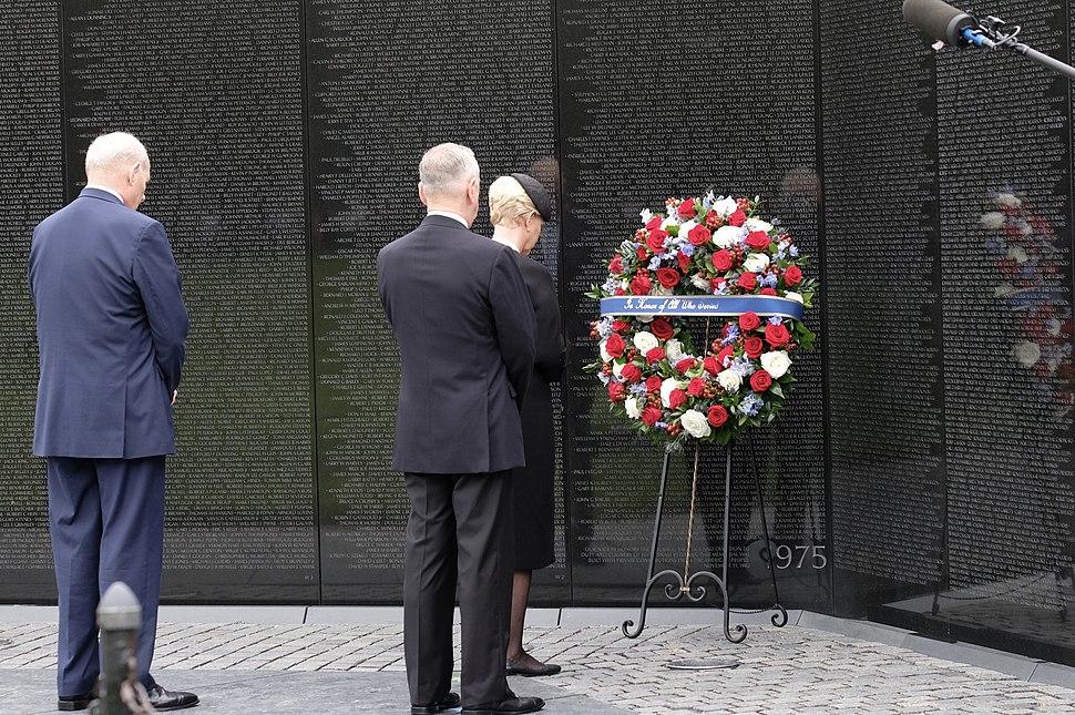 John McCain wreath laying at the Vietnam Veterans Memorial (43686596314)