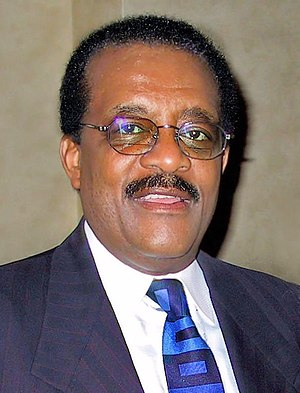 Johnnie Cochran - Cochran in May 2001