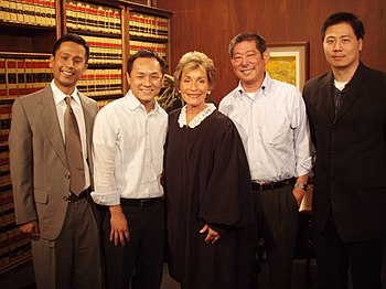 English: Judge Judy Sheindlin with fans.