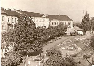 Kutno - Outlook on nowadays Marshall J.Piłsudski square on postcard from 1966