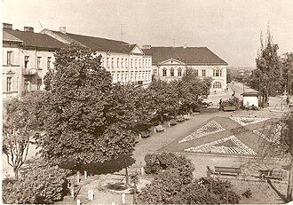 Kutno - Outlook on nowadays Marshall J.Piłsudski square on postcard from 1966