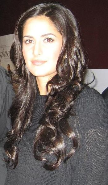 English: Katrina Kaif, to an Indian Kashmiri F...