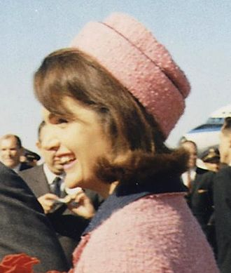 Pillbox hat - Jackie Kennedy arriving in Dallas, Texas, on November 22, 1963