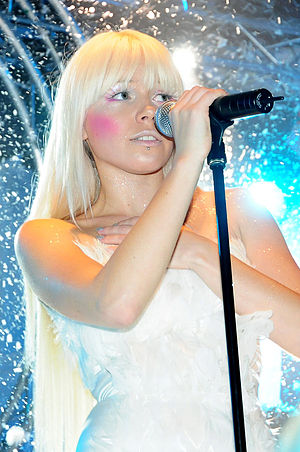 Kerli - Kerli performing in 2008