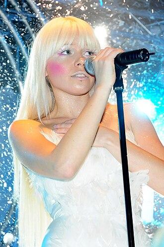 Kerli - Kerli performing in 2008