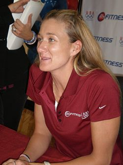 Kerri Walsh at 24 Hour Fitness 9-10-08 3.JPG