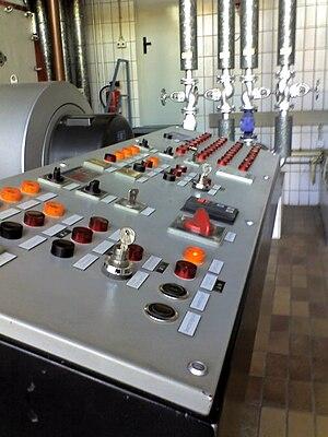 Control panel (engineering) - Image: Kontrollpult Flammrohrkessel 1