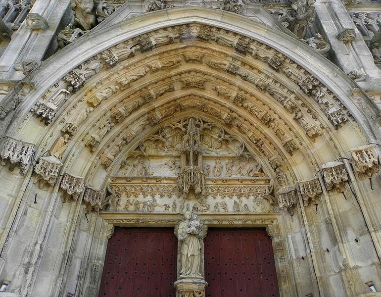 Portail central de la basilique Notre-Dame de l'Épine (51). Tympan et voussures.