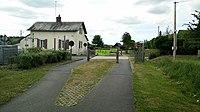 L'avenue verte - Ancien passage à niveau - Neuville-Ferrières.jpg