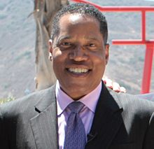 Larry Elder at Camp Pendleton in 2013.jpg