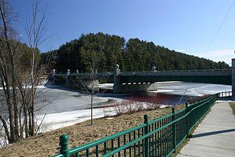 Ledyard Bridge - Image: Ledyard 6