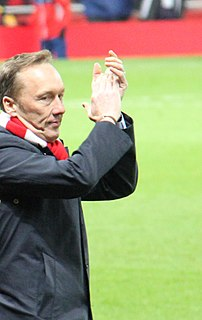 Lee Dixon English footballer